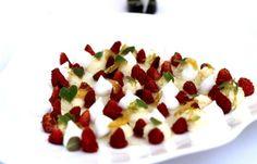 Steirereck - Wild strawberries and baiser Wild Strawberries, Strawberry, Breakfast, Photos, Food, Merengue, Morning Coffee, Pictures, Essen