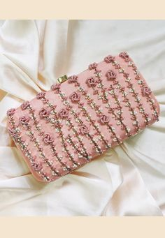 Diy Embroidery Patterns, Embroidery Bags, Beaded Embroidery, Purse Patterns, Bag Women, Potli Bags, Bridal Clutch, Beaded Bags, Fabric Bags