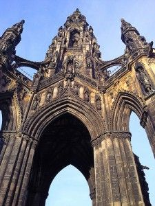 Here are our best of Edinburgh tips, together with our recommendations for what to do in Edinburgh to help you plan your visit to the Scottish capital.