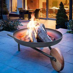 Coupe à feu avec fonction grill « Barrow » - Le premier foyer en forme de brouette. En tôle d'acier, bois de chêne et acier inoxydable V2A.