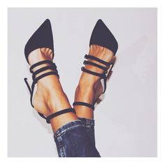 Black strappy heel.