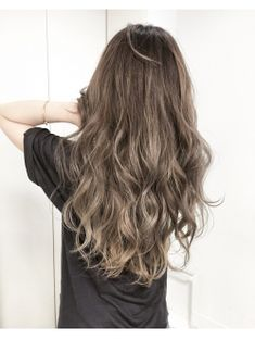 外国人風グラデーションカラー Hair Inspo, Hair Inspiration, Medium Hair Styles, Curly Hair Styles, Beautiful Hair Color, Brown Hair Colors, How To Make Hair, Up Hairstyles, Hair Lengths