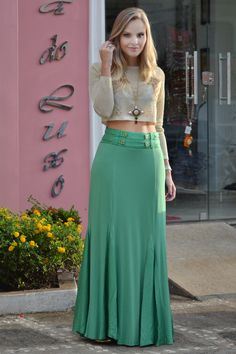 Love this Outfit : Skin long sleeve blouse and green maxi skirt for spring outfit Source : Link Maxi Skirt Outfits, Modest Outfits, Dress Skirt, Maxi Skirts, Long Skirts, Jean Skirts, Denim Skirts, Modest Clothing, Summer Outfits