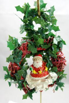 Happy Holidays Santa Wreath Ornament 302