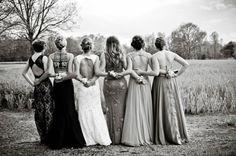9 Creative Ideas For Prom Pics With Your Besties  - Seventeen.com