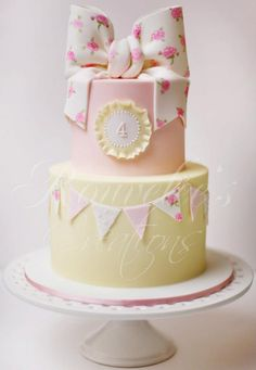 Rouvelles Creations cake - perfectly sweet for a shabby chic baby girl shower! I absolutely love this cake! Baby Cakes, Girl Cakes, Baby Shower Cakes, Deco Cupcake, Cupcake Cakes, Beautiful Birthday Cakes, Beautiful Cakes, Cute Cakes, Pretty Cakes