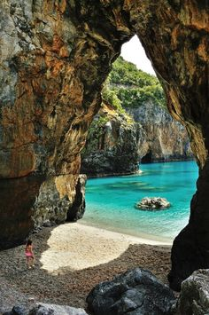 Tyrrhenian Sea, Arco di Enea, Arcomagno, San Nicola Arcella, Calabria, Italia,