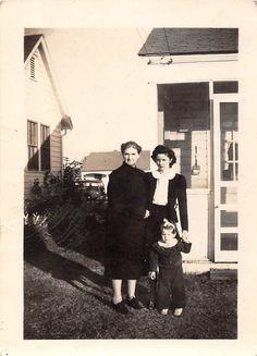 Photograph Snapshot Vintage Black and White Family Girl Yard Dress 1920'S | eBay