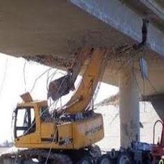 Backhoe Crashes Into Highway Bridge Lift Operator Training Online… Safety Fail, Bike Gadgets, Bad Drivers, Big Trucks, Semi Trucks, Having A Bad Day, Heavy Equipment, Dumb And Dumber, Construction