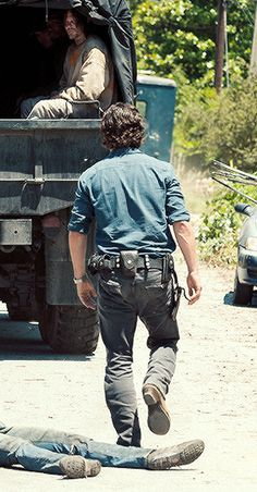 The Walking Dead Season 7 Episode 4 'Service' Rick and Daryl
