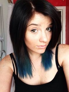 subtle with dark blue ends for medium length hair hair color ideas for Subtle Hair Color, Hair Color And Cut, Hair Color Blue, Cool Hair Color, Blue Hair, Dark Hair, Blue Tips Hair, Subtle Ombre, Blue Ombre