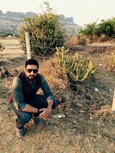Abhishek Bachchan at 'Aishwarya' Point! | PINKVILLA