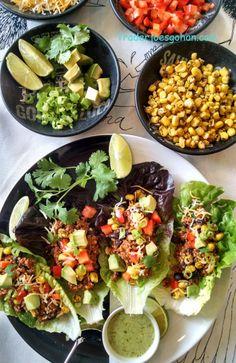 イケアのTICKAR/ティッカルシリーズです。  TICKAR プレート, ホワイト, ブラック ¥ 399 商品番号:702.507.26  TICKAR Plate, white, black $3.99 Article Number:102.518.56 キヌアと牛肉のタコスサラダ IKEAのTICKAR/ティッカル Trader Joe's Cilantro Salad Dressing