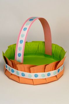 Cute Easter basket from a paper plate!