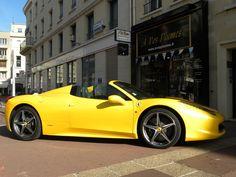 magnifique ferrari 458 italia spyder  vetements et accessoires ferrari disponibles sur www.univers-gt.com Ferrari 458, Porsche, Bmw, Vehicles, Italia, Accessories, Vehicle, Tools