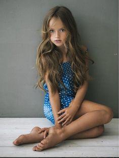 "Kristina Pimenova, la ""plus jolie petite fille du monde"" fait"