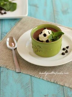 Paleo Chocolate Mint Pudding. Grain free, low carb version with dairy free option.  beautyandthefoodie.com