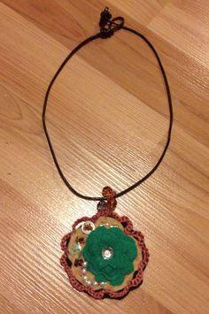 Quilt flower pendant