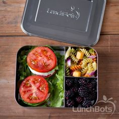 The LunchBots Bento Trio plastic-free, stainless steel food container with three sections is large enough for you to pack your healthy work lunch to go. Healthy Lunch Recipies, Healthy Lunches For Work, Healthy Snacks, Healthy Eating, Vegan Lunches, Vegetarian Lunch, Bento Box Lunch, Lunch Snacks, Bento Lunchbox