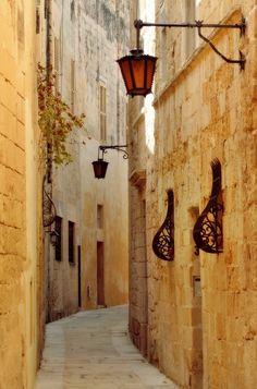 The silent city, Mdina   Malta    Photo taken by (travelingcolors) #malta #property #sliema #valletta #marsaskala #gozo #birkirkara #mellieha #qormi # mosta #zabbar #rabat #fgura #zejtun #marsa #mdina #malta