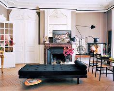9 Most Simple Tricks Can Change Your Life: Queen Futon Home futon design interiors. Interior Exterior, Interior Architecture, Home Living, Living Spaces, Living Room, Apartment Living, Living Area, Futon Design, Paris Apartments