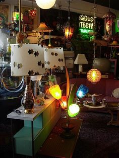 Want to come here and do some serious shopping!!! Lady Peter's Whimsy Fifties Sixties Mid-Century Tiki Hawaiiana Hula 50's 60's Furniture Lighting Collectibles