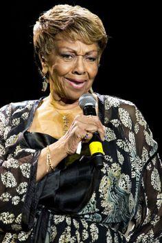 Whitney Houston's mother, Cissy, to write memoir