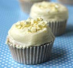 Carrot Cake: Cupcakes de Limón con Frosting de Chocolate Blanco y Mascarpone