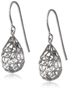 Sterling Silver Filigree Pear Dangle Earrings http://www.branddot.com/13/Sterling-Silver-Filigree-Dangle-Earrings/dp/B0048WPQJG/ref=sr_1_44/176-8115865-3682932?s=jewelry