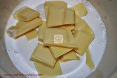 Cum se face crema ganache din ciocolata alba? - CAIETUL CU RETETE Cheese, Cake, Sweet, Food, Candy, Mudpie, Meals, Yemek, Cheeseburger Paradise Pie