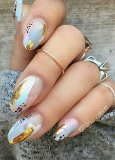 21 Stunning Gold Foil Nail Designs to Brighten Your Manicure ★ Gold Foil Design . Hair And Nails, My Nails, How To Do Nails, Trendy Nails, Cute Nails, Foil Nail Designs, Colorful Nail, Luxury Nails, Foil Nails