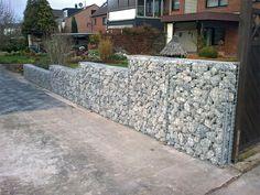 Te presentamos una forma novedosa y original de añadir atractivo a tu jardín mediante la colocación de gaviones de piedras y rocas.
