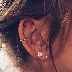 Large Gold Circle Drop Earrings - Big Hoop Earrings/ Sparkly Hoops/ Geometric Earrings/ Elegant Hoops/ Circle Earrings/ Gifts for Her - Fine Jewelry Ideas Really Cute Ear Piercings Ear Peircings, Cute Ear Piercings, Ear Piercings Cartilage, Multiple Ear Piercings, Double Cartilage, Cartilage Hoop, Cartilage Jewelry, Body Jewelry Piercing, Ear Jewelry