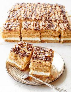 Miodownik Polish Desserts, Polish Recipes, Baking Recipes, Cake Recipes, Dessert Recipes, Delicious Deserts, Yummy Food, Cake Business, Christmas Baking