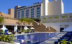 Toutes les installations de l'hôtel Barceló Santo Domingo ont été totalement rénovées. Situé dans le centre de Saint Domingue, capitale de la République Dominicaine.  Les 217 chambres sont parfaitement équipées avec les normes les plus élevées Nous disposons d'un service internet sans fil (Wi-Fi) dans toutes les installations de l'hôtel.