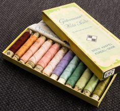 Boîte de bobines de fil de soie Gutermann Mercerie Ancienne Vintage