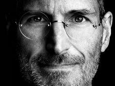 Conoce las 10 cualidades que convirtieron a este singular inventor en un ejemplo a seguir para todos los emprendedores.