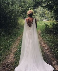 Wedding dresses, you have to research these quite elegant gowns, pin example number 9017703081 . Wedding Cape Veil, Greek Wedding Dresses, Bridal Cape, Wedding Veils, Boho Wedding, Dress Wedding, Back Necklace, Cape Dress, Plus Size Wedding