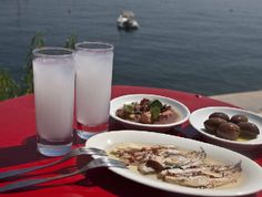 just because i like this photo ouzo & mezedes Greek Meze, Greek Recipes, Most Favorite, Glass Of Milk, Wines, Tapas, Seafood, Greece, Appetizers