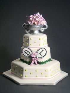 tennis inspired wedding cakes tennis cupcakes laure1208 these are maybe a 20794
