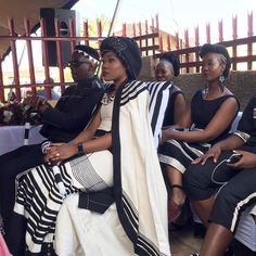 Traditional Xhosa Dresses Wedding,The acceptable old traditional Xhosa trend never gets boring, appearance lovers keeps accepting artistic African Traditional Wedding Dress, African Fashion Traditional, Traditional Wedding Attire, African Wedding Dress, Traditional Outfits, Xhosa Attire, Shweshwe Dresses, African Fashion Dresses, Bride