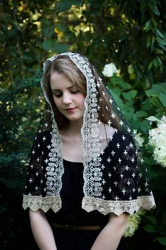 Evintage Veils Holy Cross Gold Embroidered Traditional Black