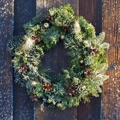 nice and unique DIY winter wreath with nordic touch 1 Cool and Creative DIY Christmas Wreaths with Nordic Touch