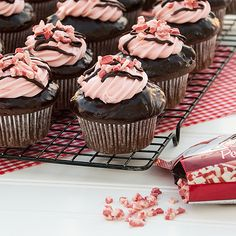 Chocolate Peppermint Twist Cupcakes made with #DuncanHines Peppermint Frosting Creations via RealMomKitchen