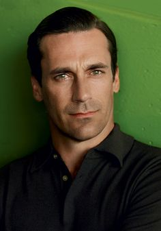 The nice thing about #JonHamm is that he looks just as good in a suit...as he does out of it. Provided the hair is done properly, of course.