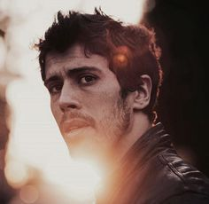 Toby Kebbell in RockNRolla ..dont know why but can you meet me halfway