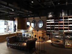 L'ECLAIREUR Store  Champs  (cutting-edge fashion labels)