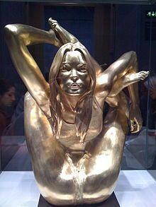 Risultati immagini per sphinx marc quinn