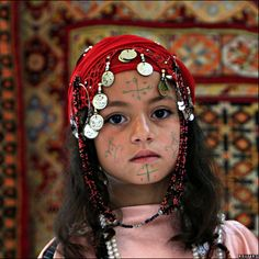 Unique and beautiful Berber tribal women - Beauty will save We Are The World, People Of The World, Berber Tattoo, Asian Kids, Face Tattoos, Tribal Women, North Africa, African Women, Cool Eyes