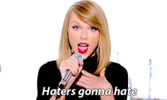 """Soy """"Shake it Off"""" yaaaay.http://www.buzzfeed.com/perpetua/which-2014-pop-hit-are-you - @gmuelle"""